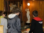 Students find a statuette on the list
