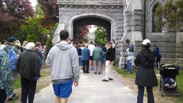 Entering wilde Chapel